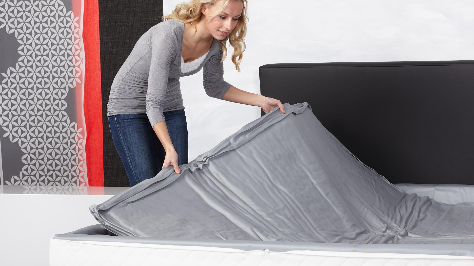 Wasserbettmatratze Mono einbauen