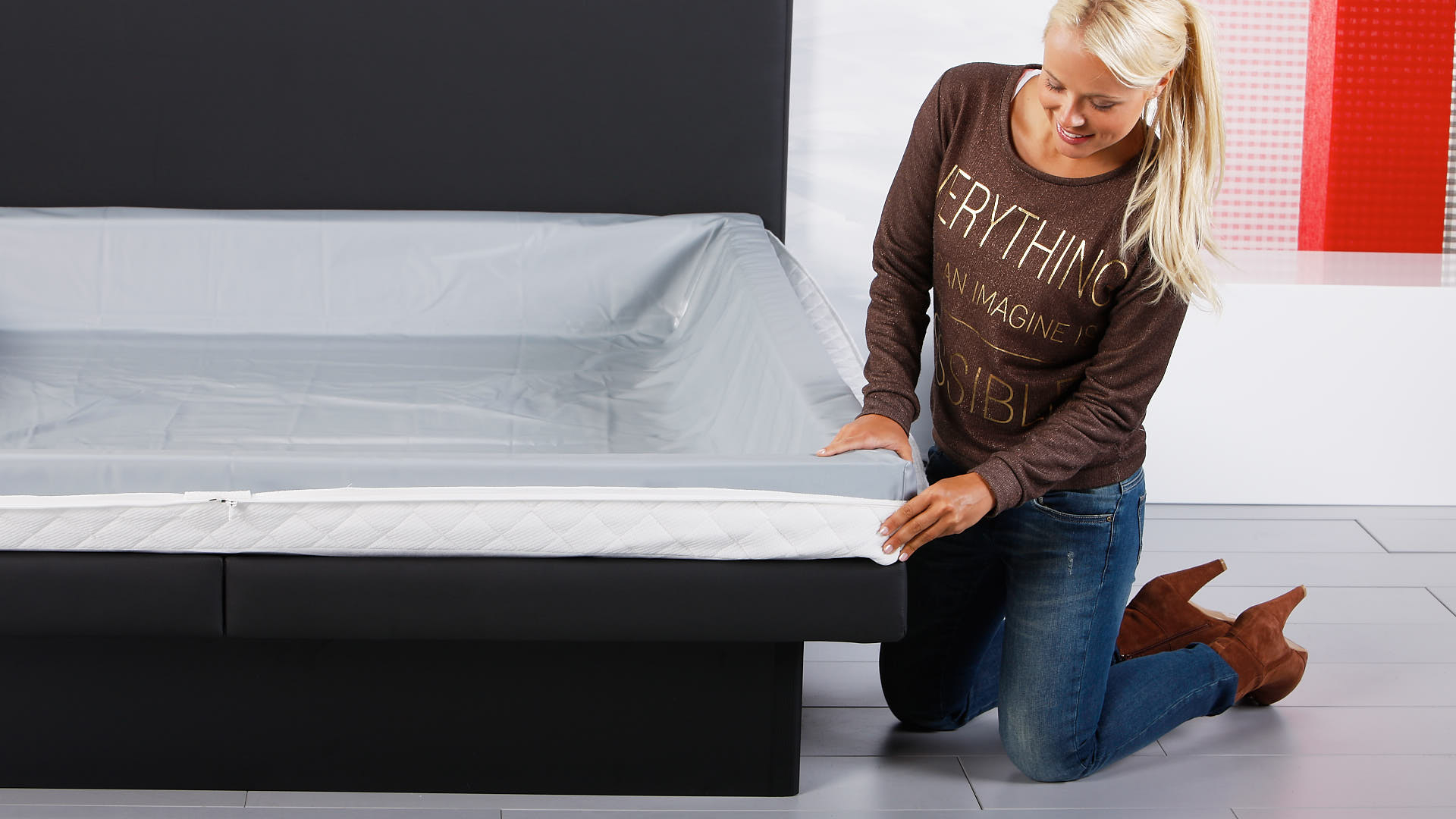 Wasserbett Luxus Pro Bezugunterteil um den Schaumstoffrahmen legen